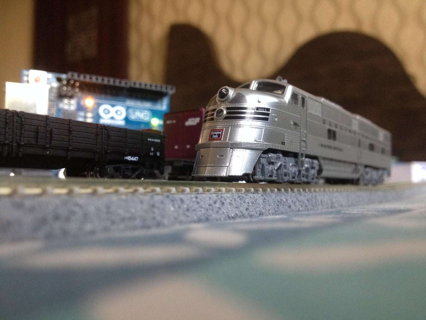 Model Railway Layout With Automated Passing Siding (V2.0)