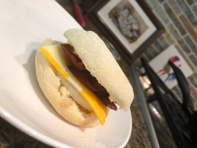 Breakfast Sandwich: 5 Easy Steps to Make a Great Breakfast