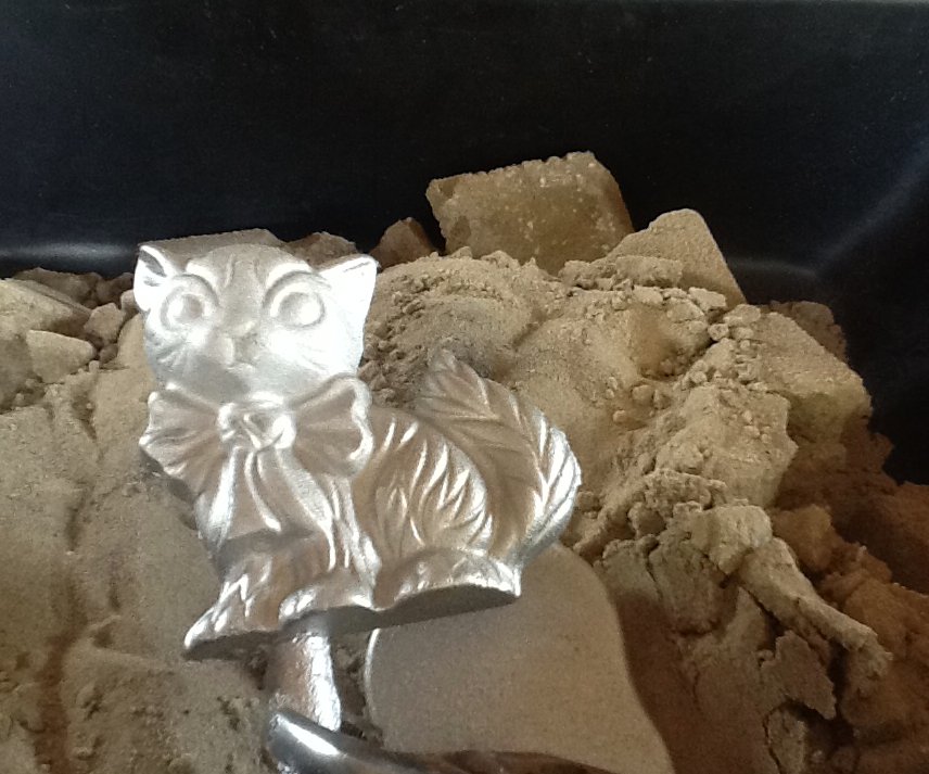 Casting An Adorable Kitty Cat From Aluminum