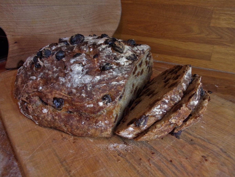No-Knead Rustic Raisin Bread