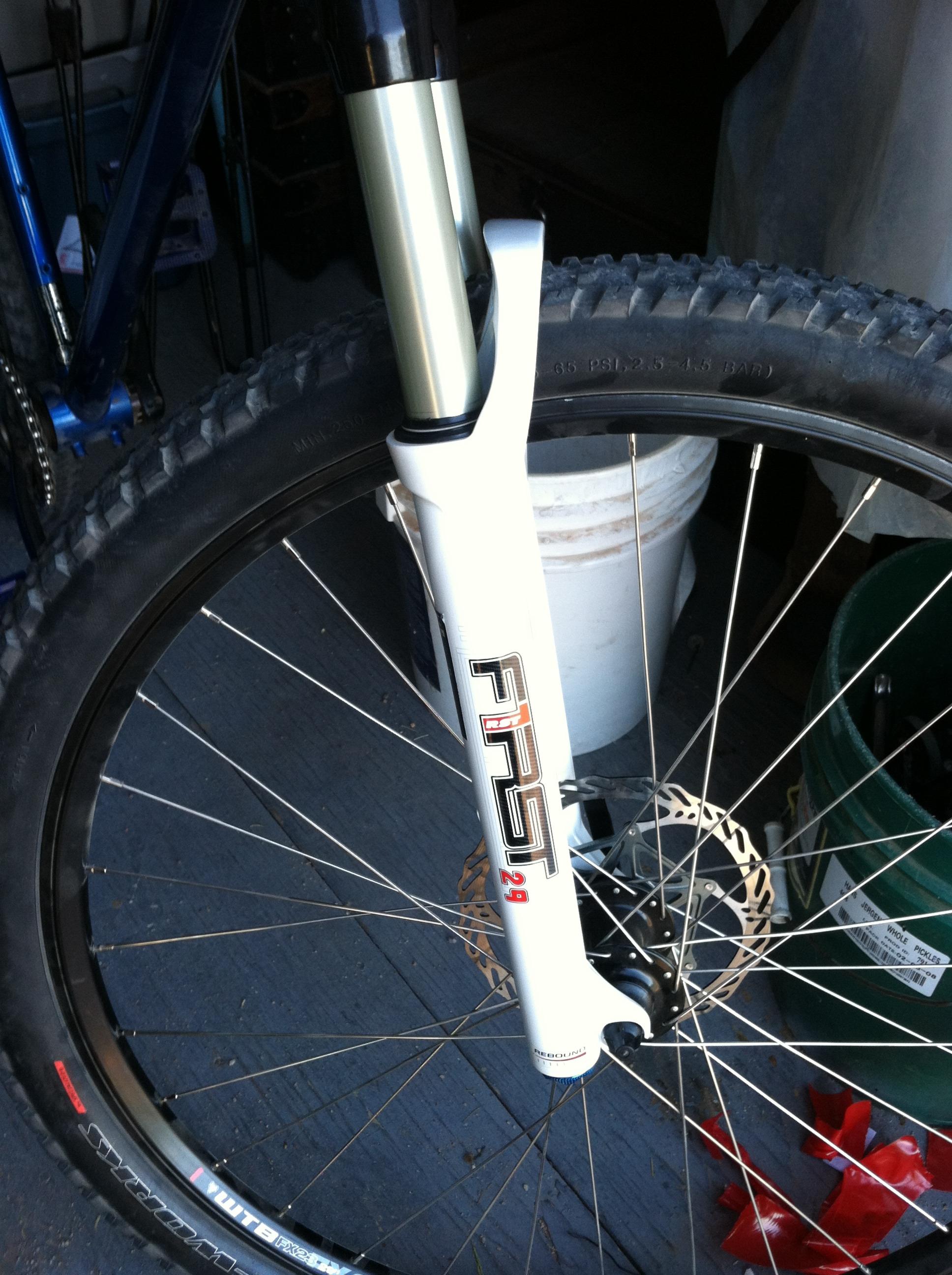 Bike Fork Graphics Removal