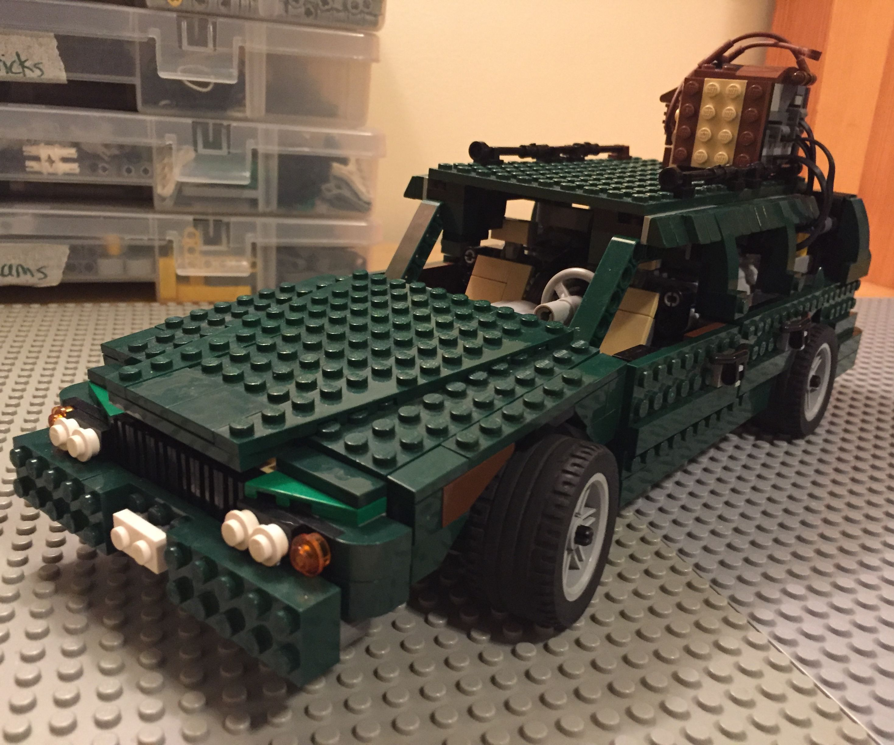 Remote Control Lego Car (1997 Volvo 850)