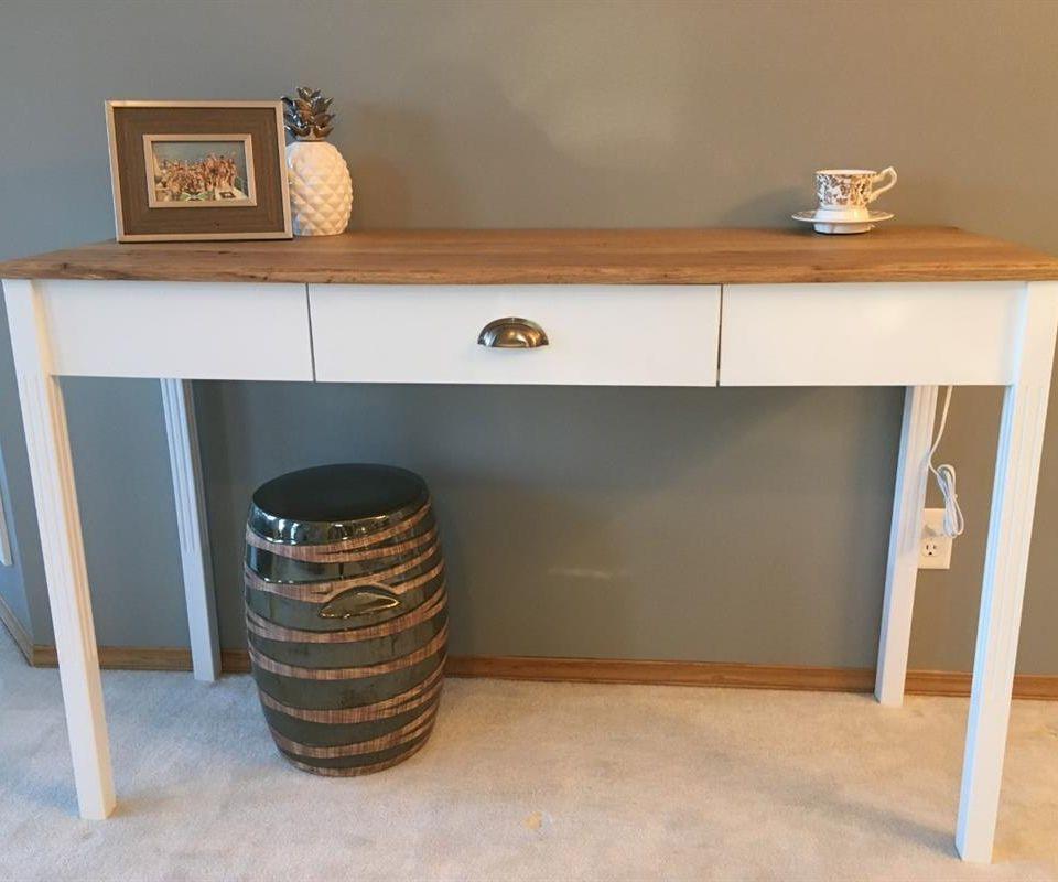 Simple DIY Sofa Table
