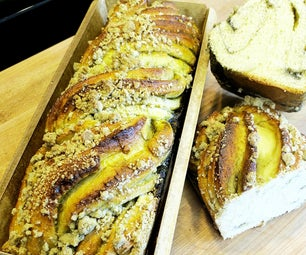 Matcha Honey Babka W/ Matcha Streusel Topping