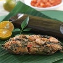 Steamed Chicken with Lemon Basil Wrapped in Banana Palm Leaf
