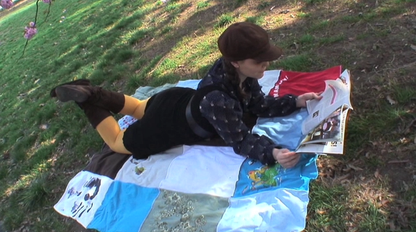How to Make a Picnic Blanket Backpack Out of T-Shirts