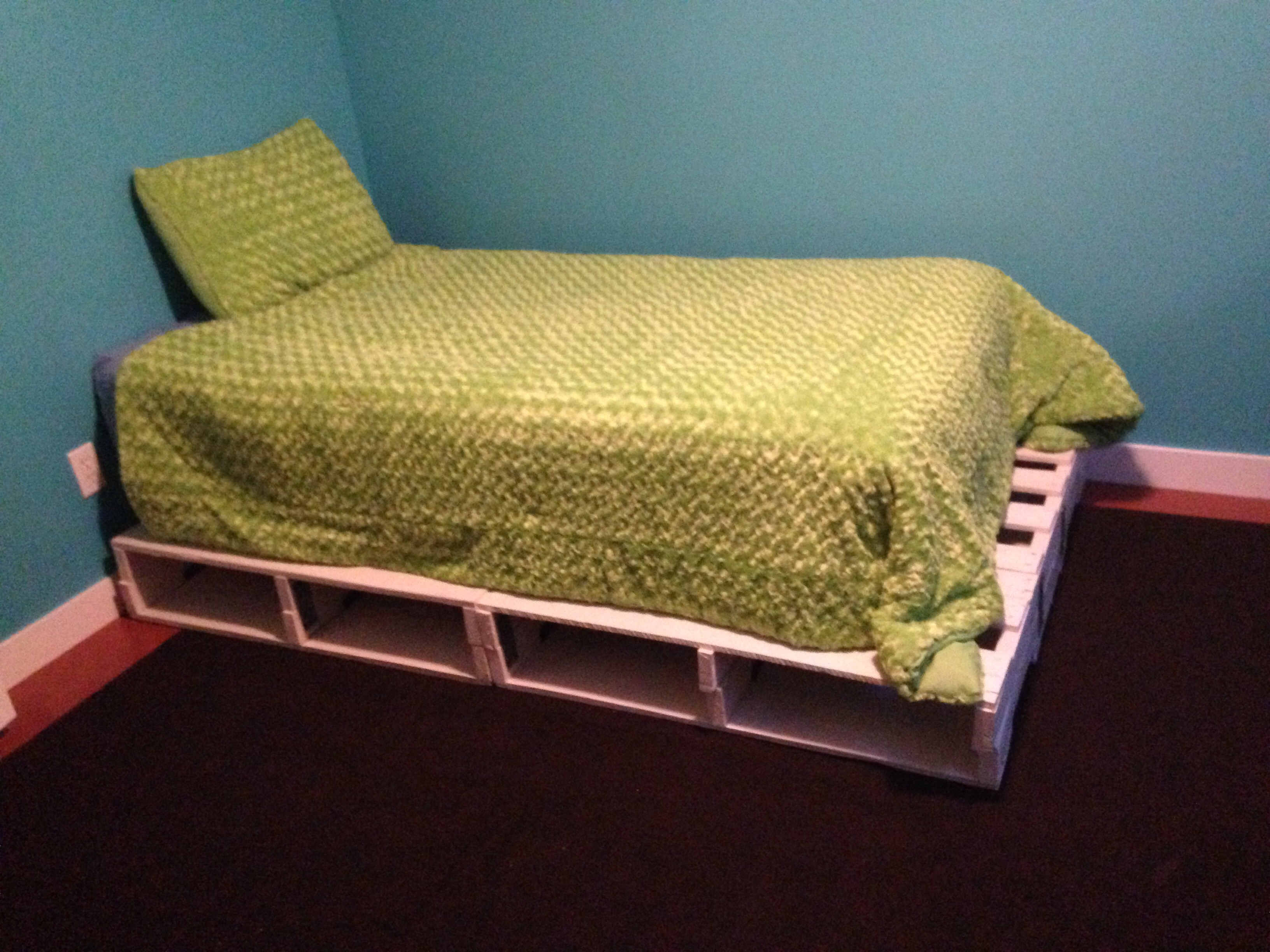 Pallet Bed 6 Steps Instructables