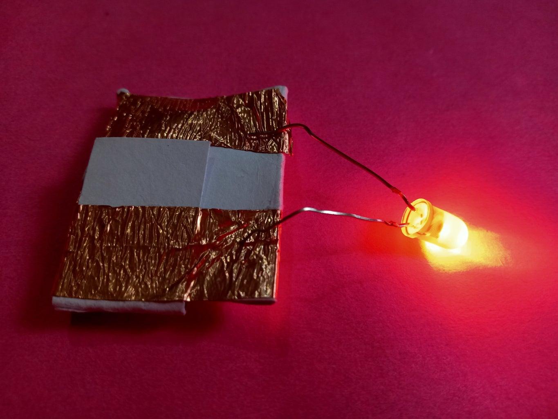 Easy Paper Battery Holder