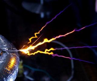世界上最简单强大的固态特斯拉线圈(SSTC)