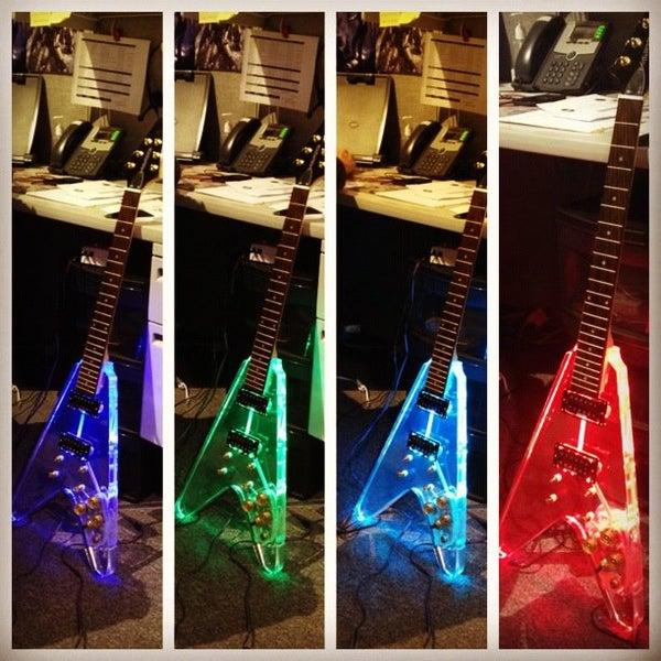 LED Reactive Guitar, Play and Light!