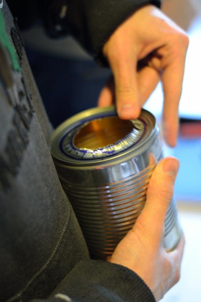 Préparer La Fixation Entre L'enveloppe Porteuse Et Le Pot De Combustion