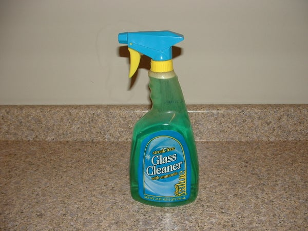 How to Make Your Own Non-Toxic Glass Cleaner