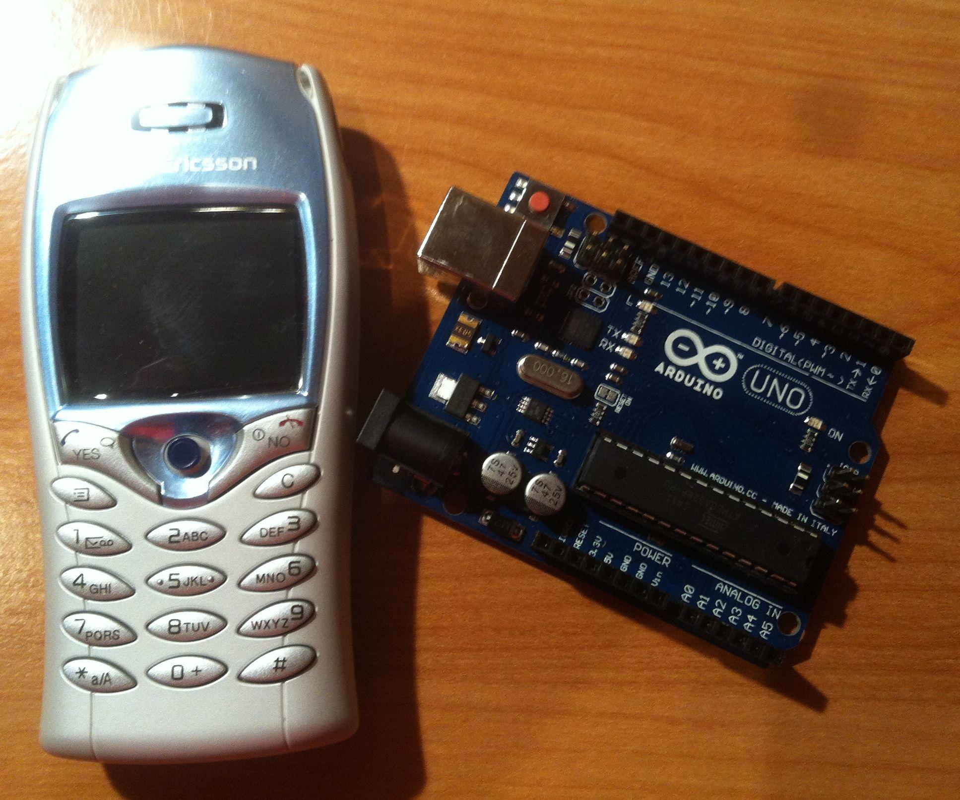 arduino & sony ericsson: gsm shield hack