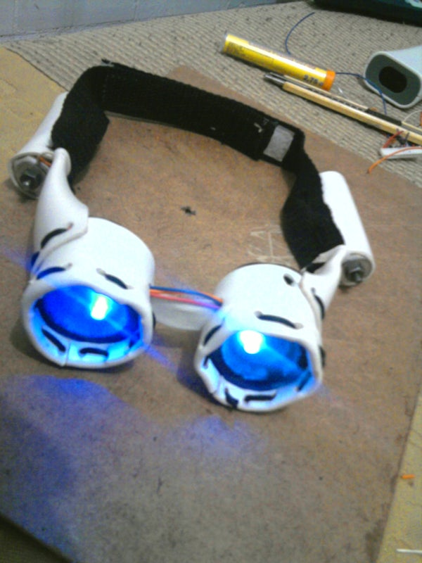 RETRO FUTURISTIC LIGHTED GOGGLES LED