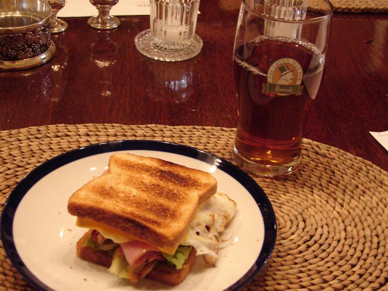 Sandwich Colonial