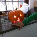 The scariest, arduino-powered, flashing and screaming halloween pumpkin!