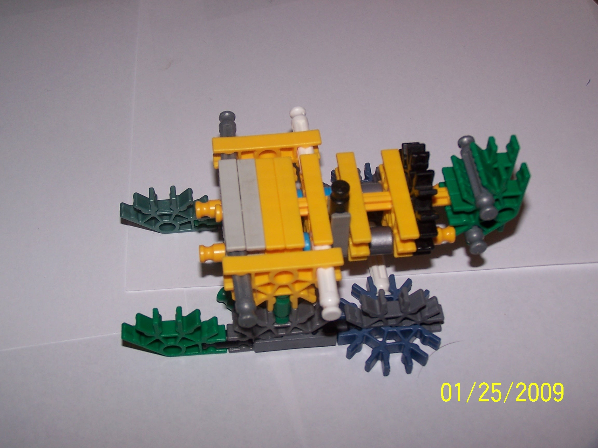 Knex Cannon with a stability base