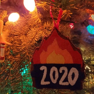 2020垃圾箱火装饰