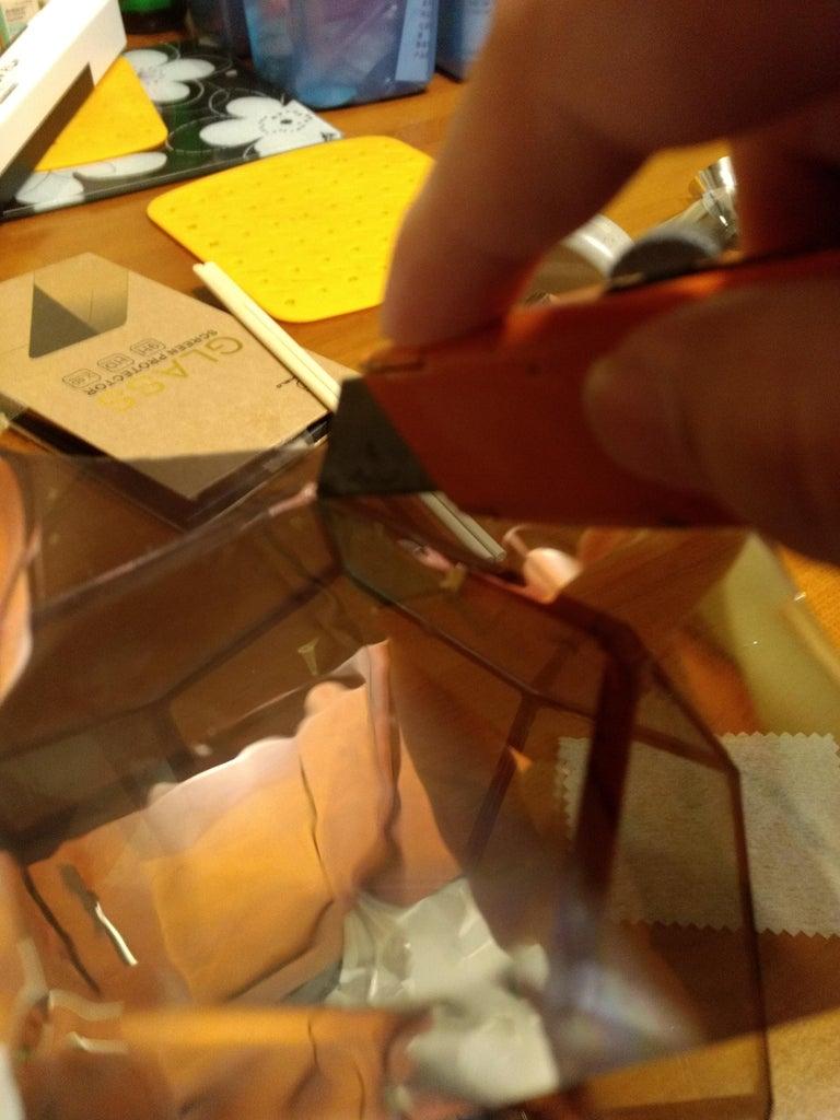 Tips on Applying Mirror Film on Glass