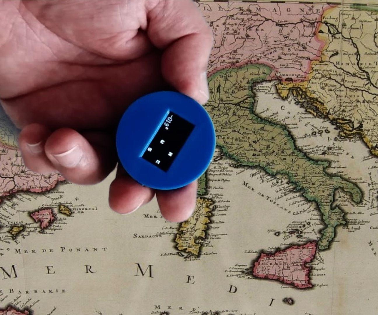 A Tiny Compass With  ATtiny85