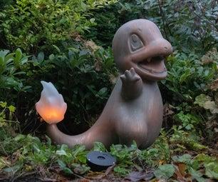 寿命尺寸的Charmander火焰灯