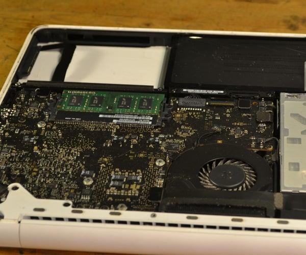Repair Macbook Unibody Vol. 1 Replacing RAM