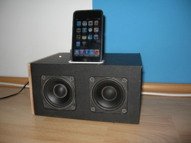 Really loud DIY iPod Touch Dock with speakers