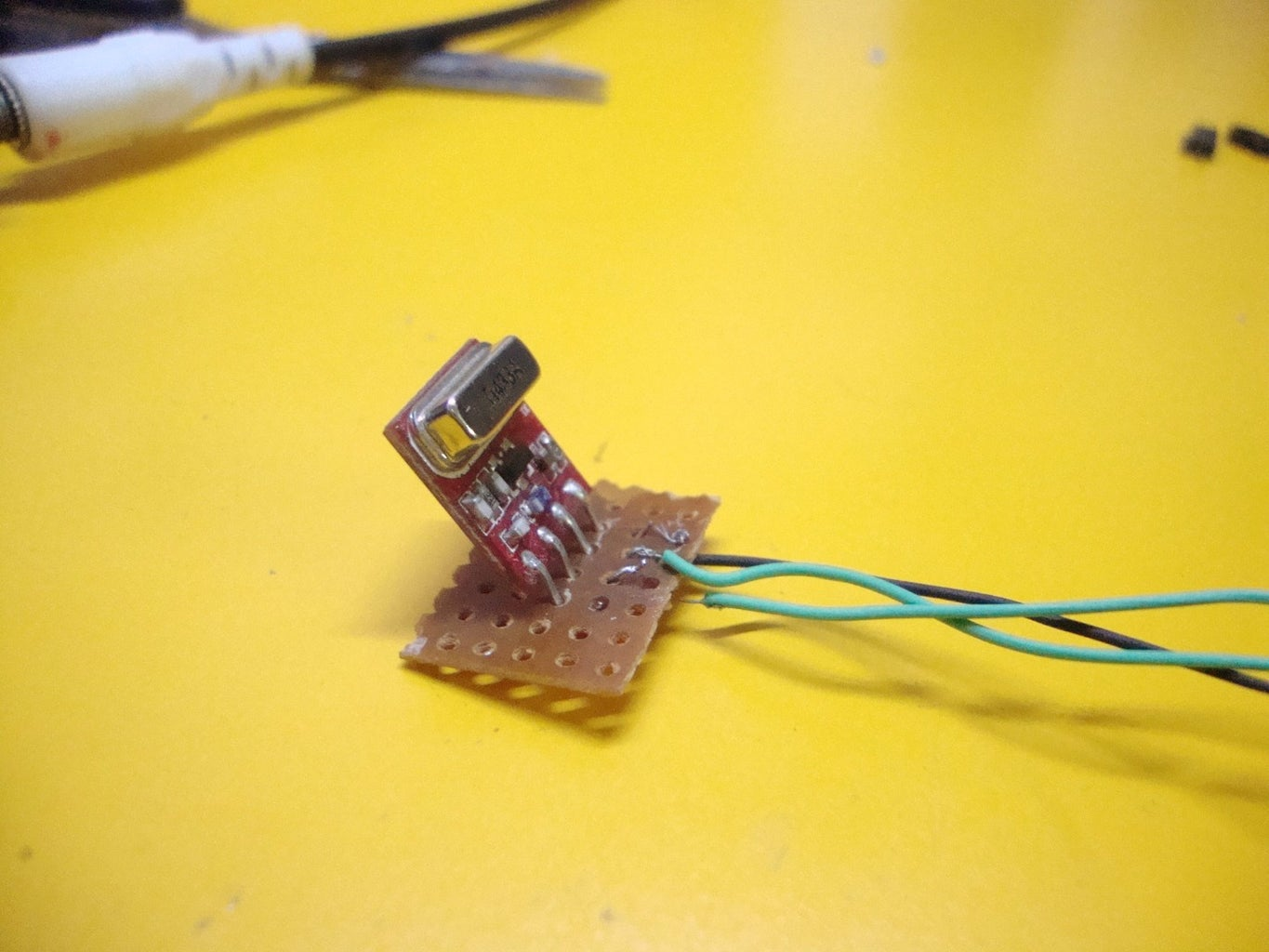 Making the Transmitter: Connect the RF Transmitter Module