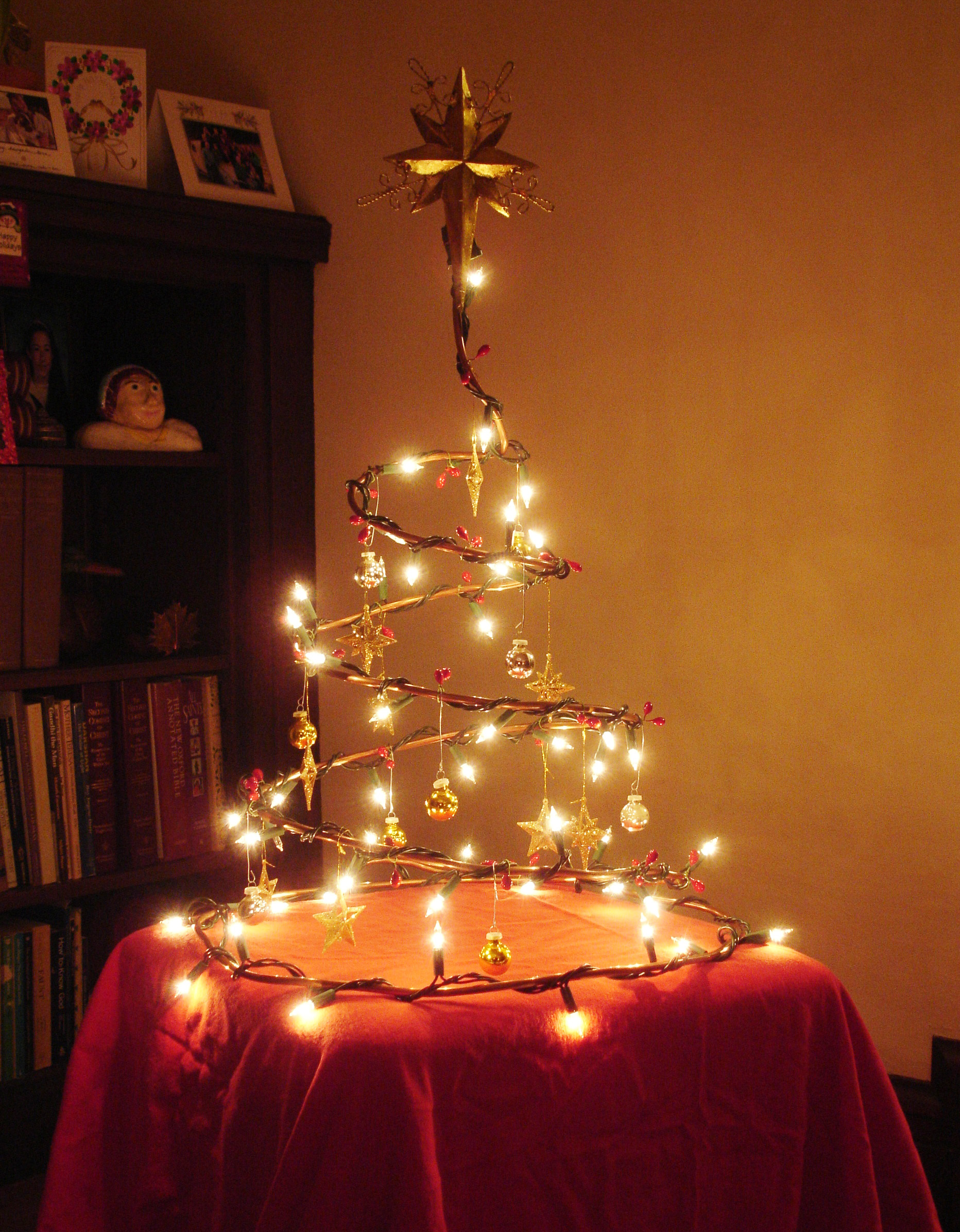 Collapsible Wire Christmas Tree