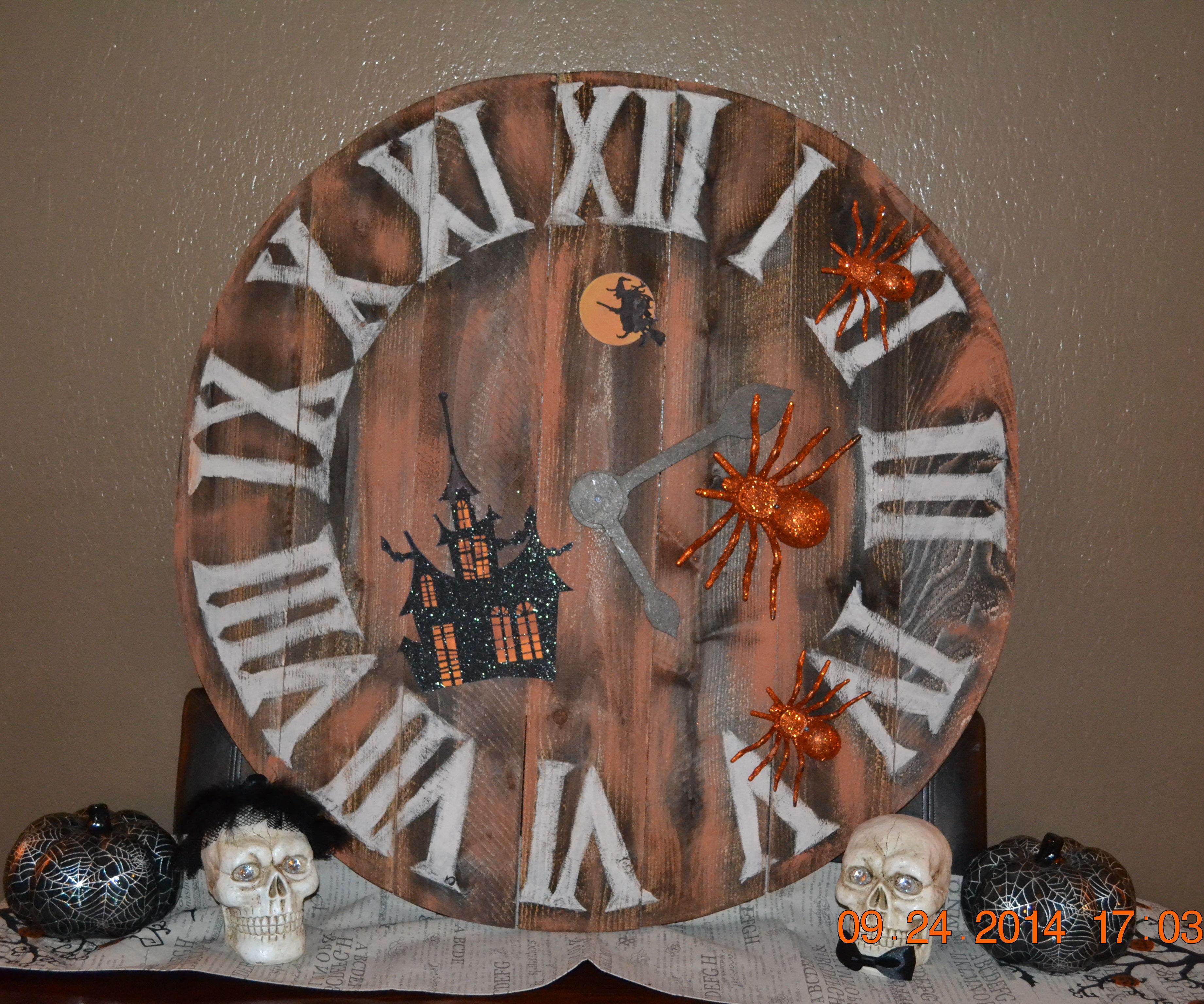 Halloween Wall Clock Decoration