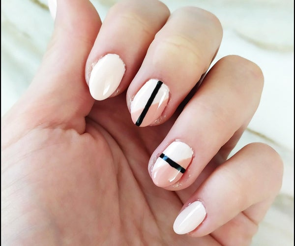 How to Give Yourself a Proffesional Manicure at Home
