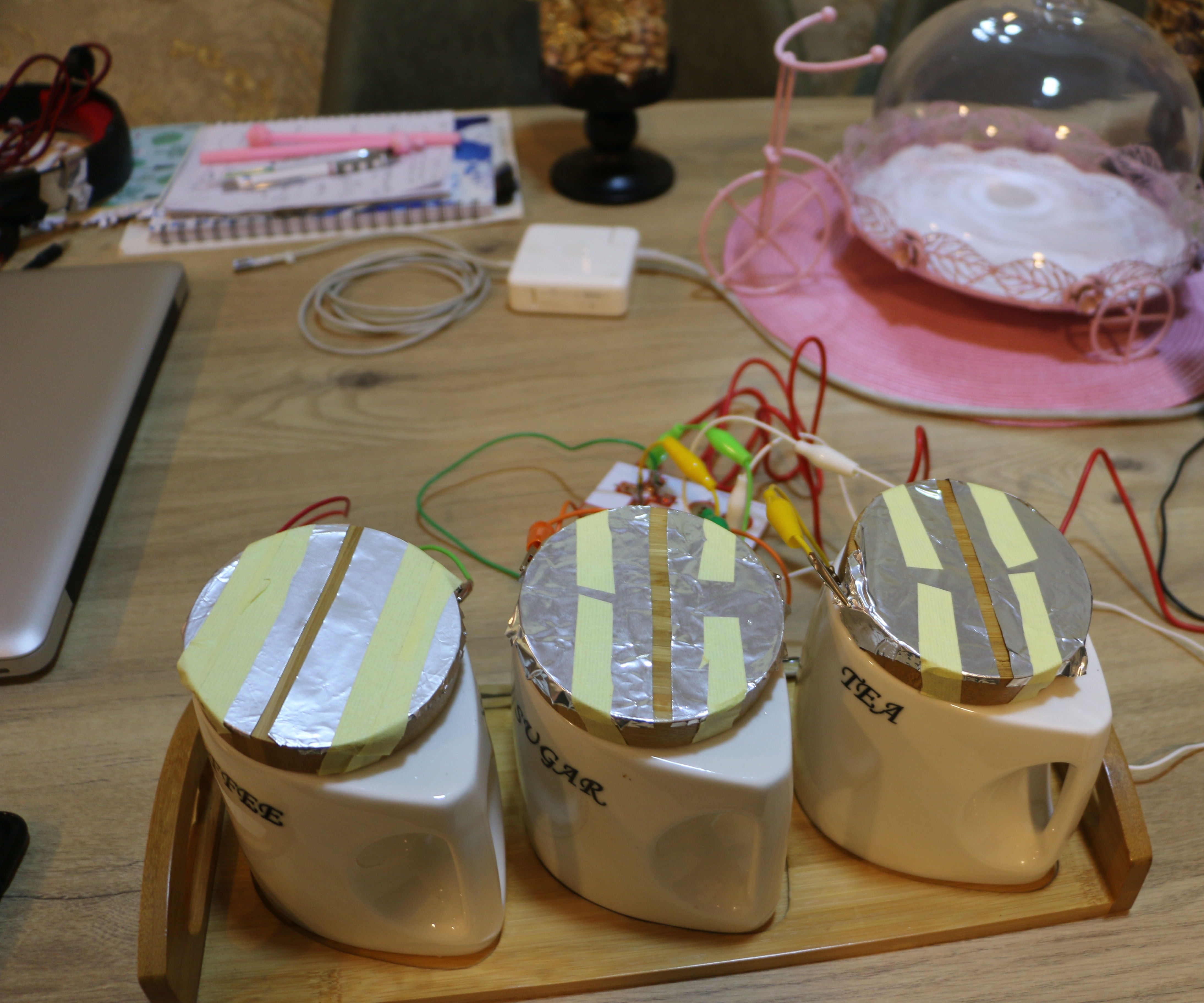 Make Blind Recognize Things by Touching Things Around Them Using MakeyMakey