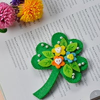 Tada! This Charming Green Felt Paper Leaf Brooch With Buttons and Pearls Decorated Is Finished!