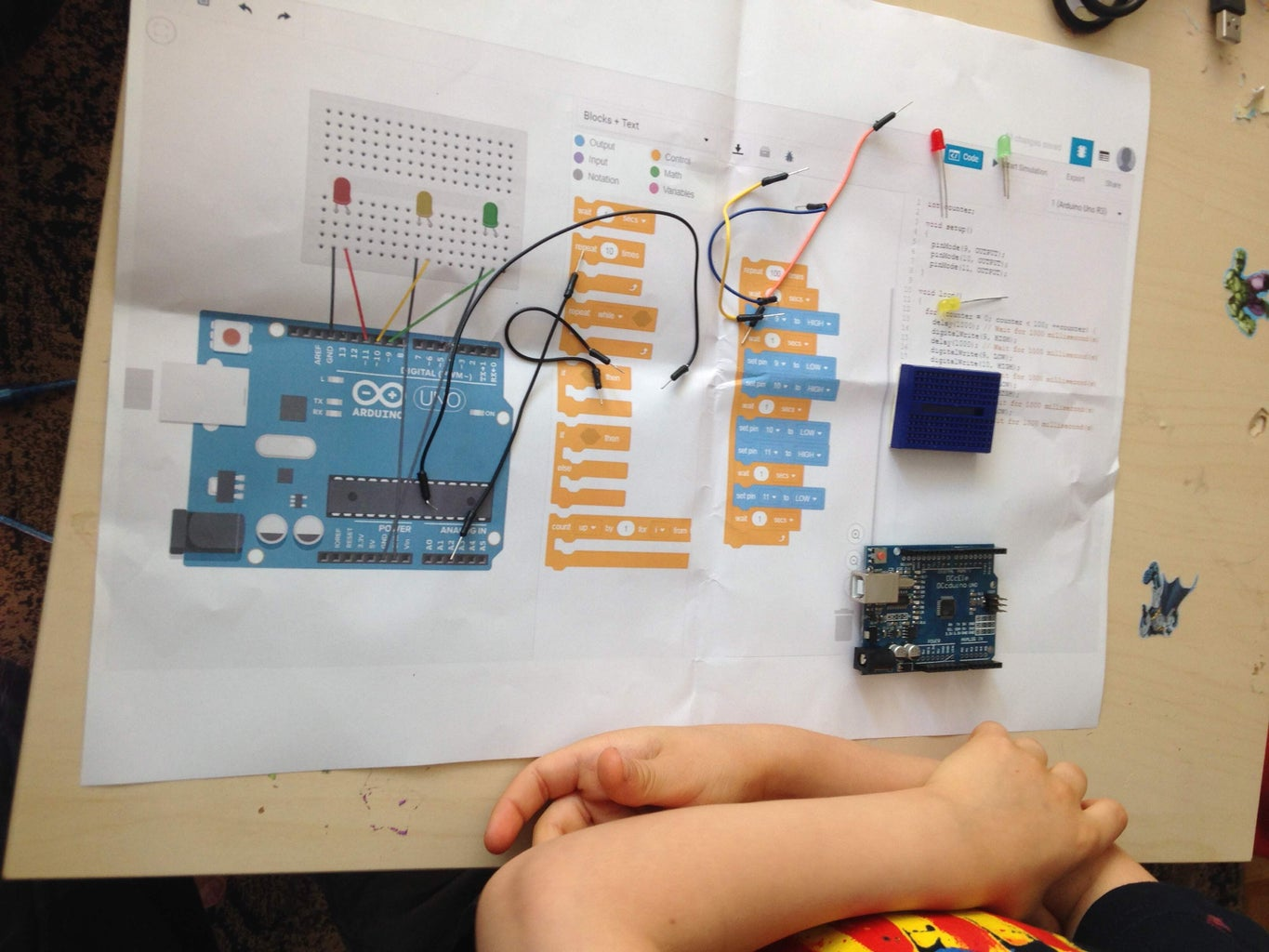 6 Years Old Creating Basic Traffic Light With Scratch for Arduino
