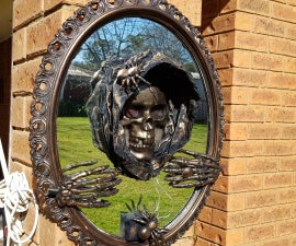 Creepy 3D Halloween Mirror