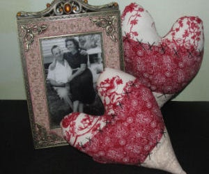 How to Make Vintage Heart Pillows