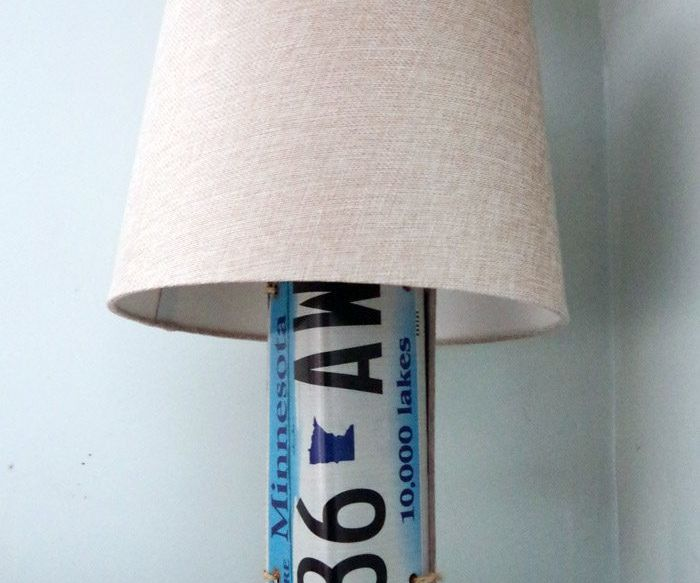 Lamp Gets a Country Girl Makeover Using License Plates!