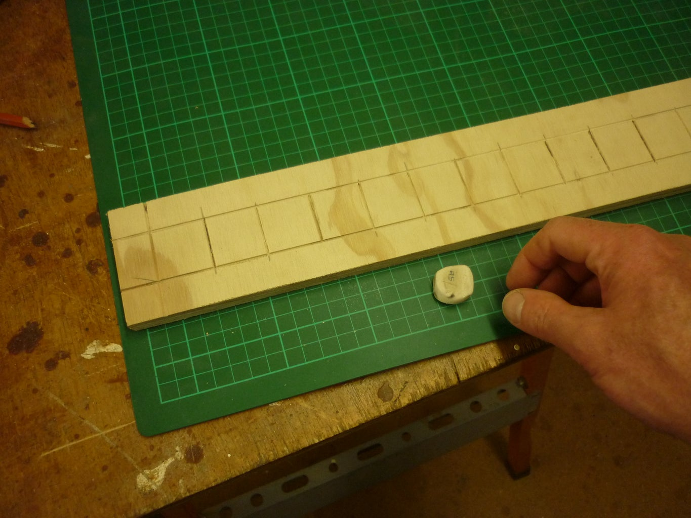 Staining Squares and Edge