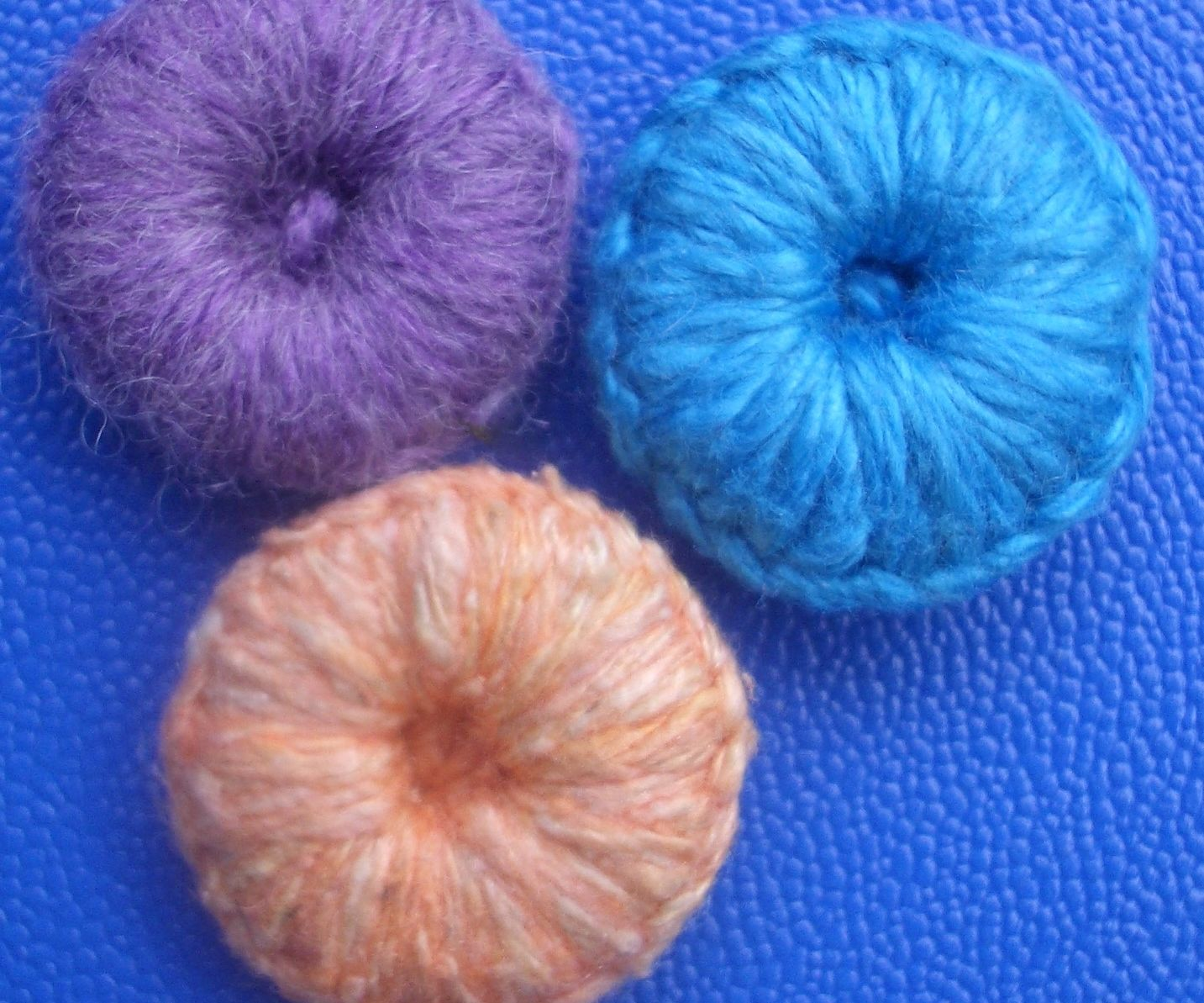 Buttons From Yarn and Washers