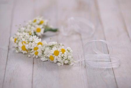 DIY With Flowers: Children's Garland