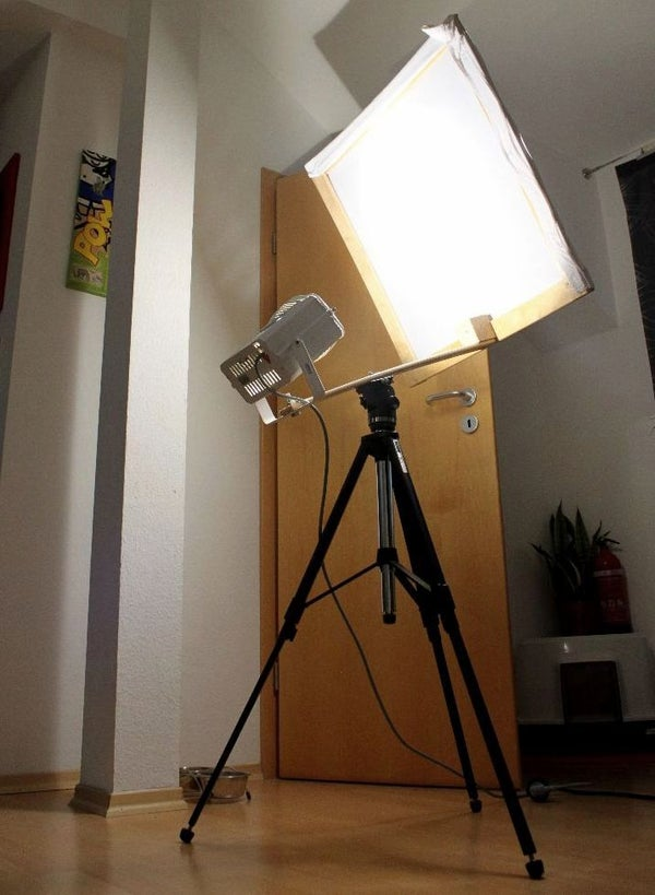 """Studiolight With """"softbox"""" on a Tripod"""