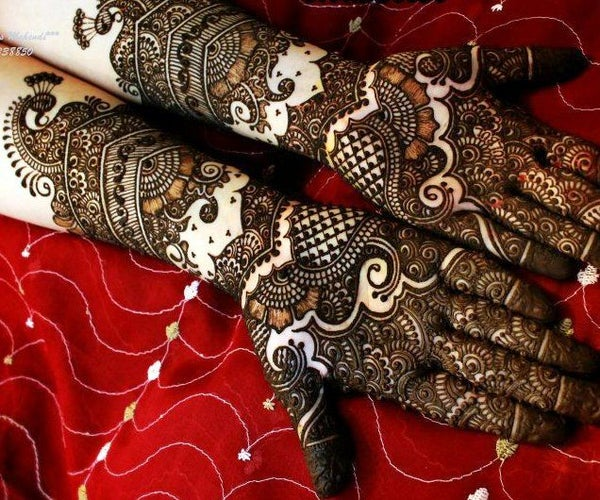 How to Prepare Mehendi Paste for Magnificent Arabic Mehendi Designs