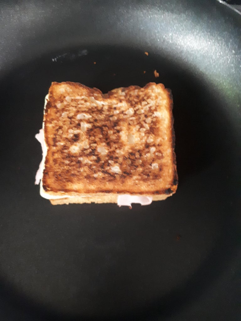Toast Sandwich and Cook Egg