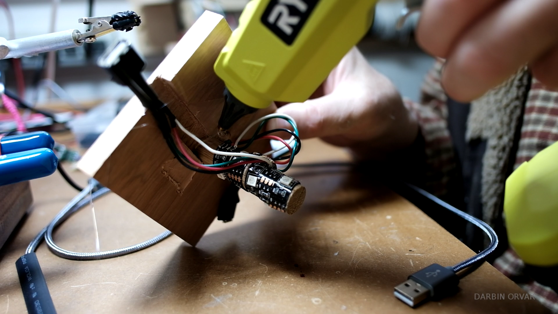 Attaching the Dowel & Connectors