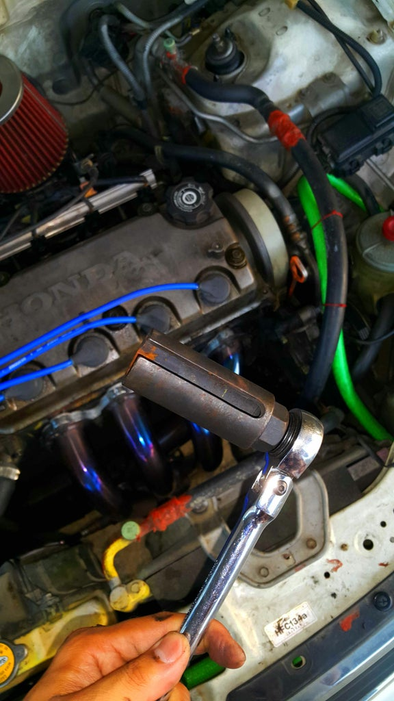 Replacing a Car's Heated Oxygen Sensor!