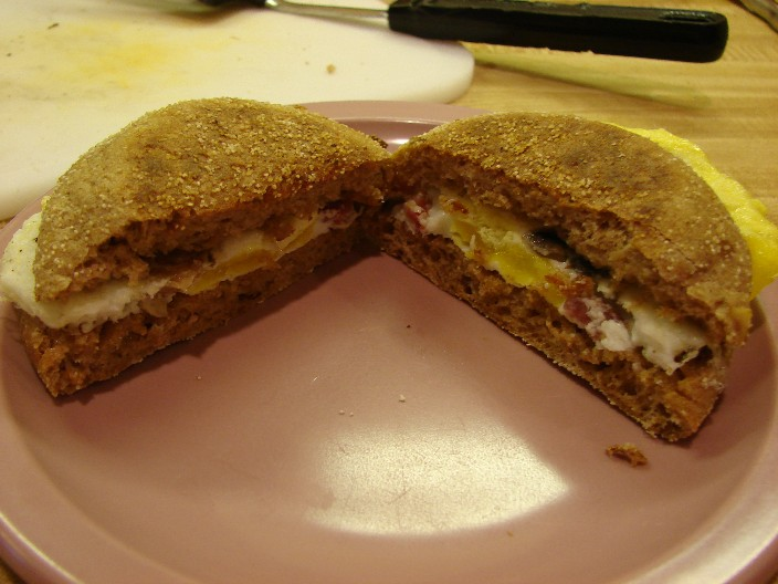 Create the MCMUFFINATOR!! (uber egg & muffin for the unimaginitive)