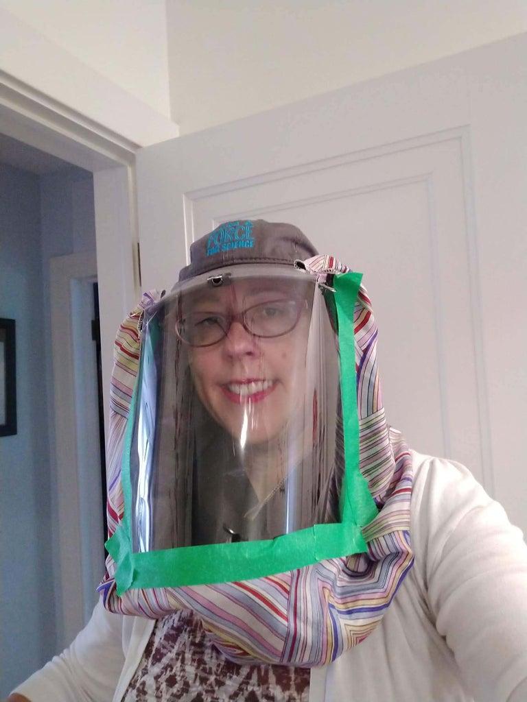 DIY Faceshield in 2 Steps