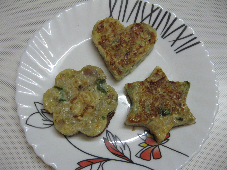 Enjoy Cookie Shaped Omelette