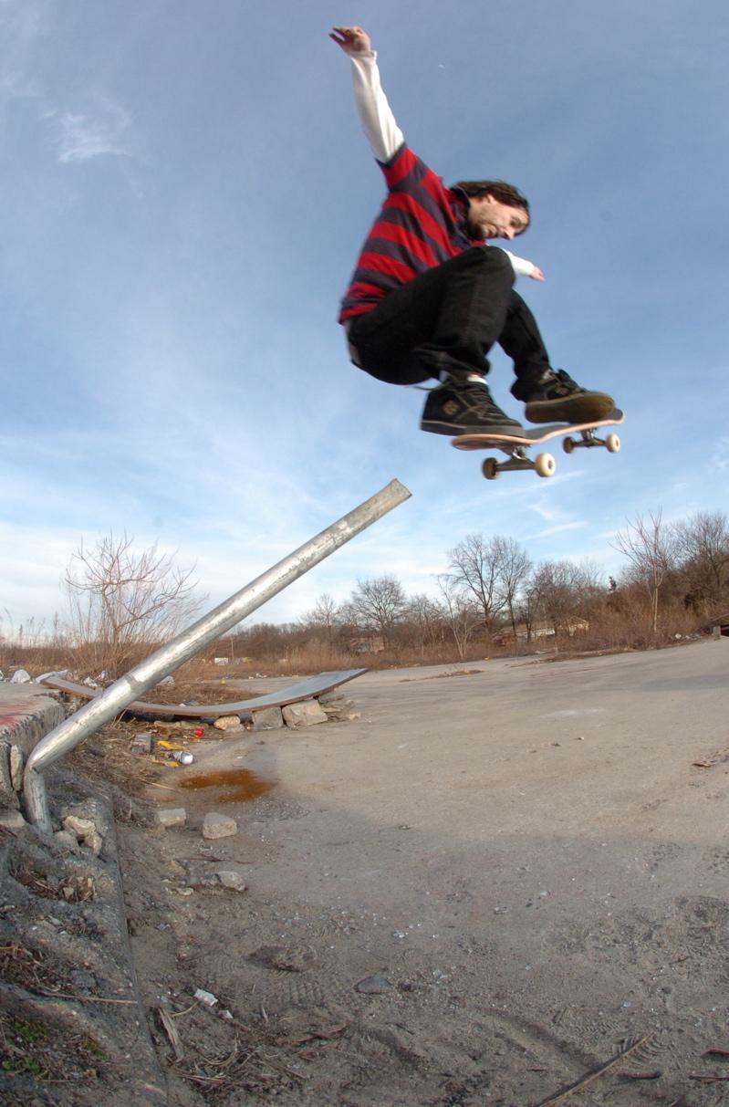 Instant skateboarding polejam!