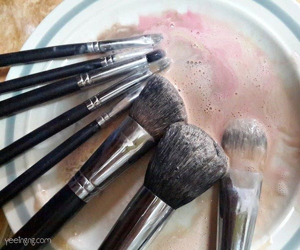 How to Properly Wash Makeup Brushes With Everyday Household Items